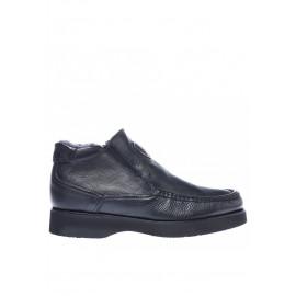 Kotníkové boty v černé telecí kůži